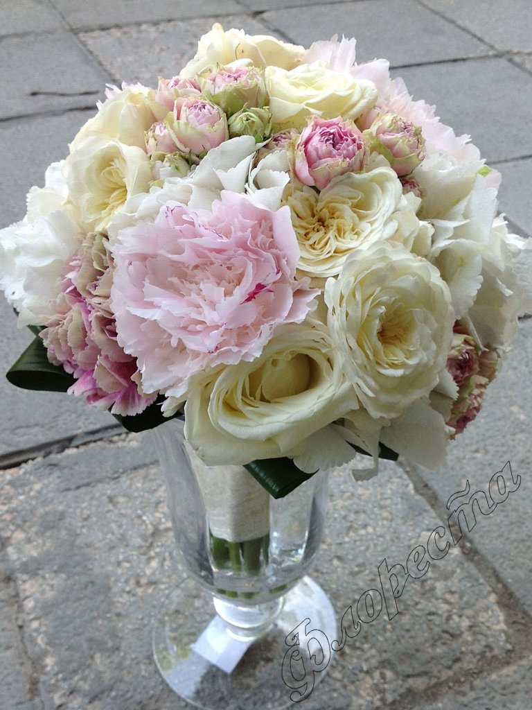 bridal bouquet of peony garden rose mini rose and hydrangea - Garden Rose And Hydrangea Bouquet
